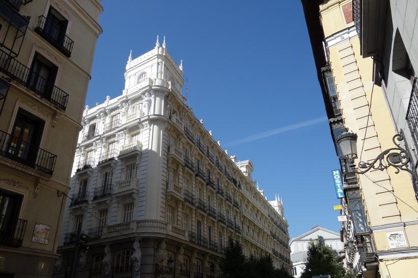 Arkitekturen längs Calle del Arenal, Madrid.