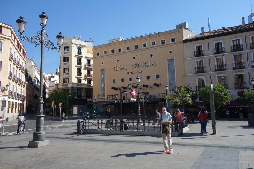Plaza de Isabel II, Madrid.