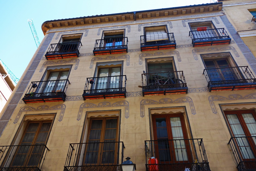Vacker arkitektur i centrala Madrid.