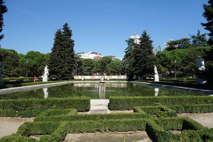Jardines De Sabatini, Madrid.