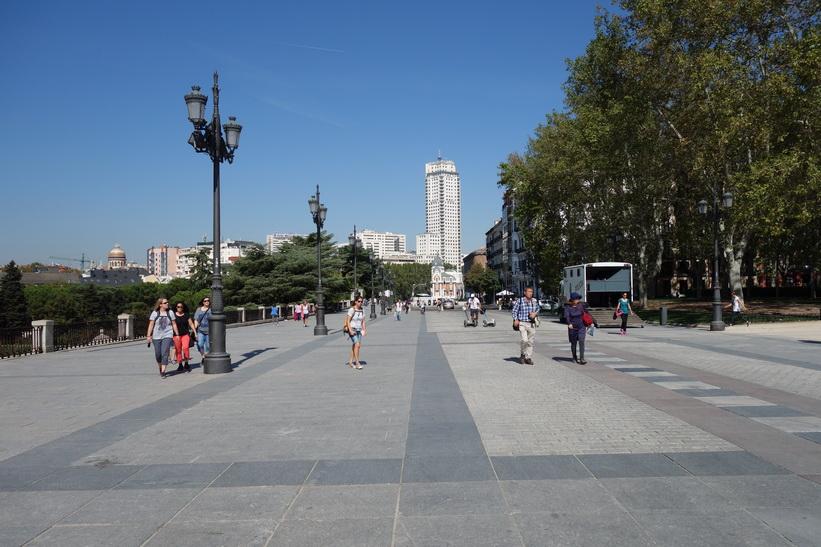 Calle de Bailén, Madrid.