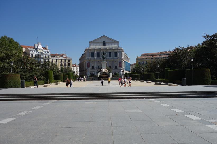 Plaza Oriente med Teatro Real i bakgrunden, Madrid.