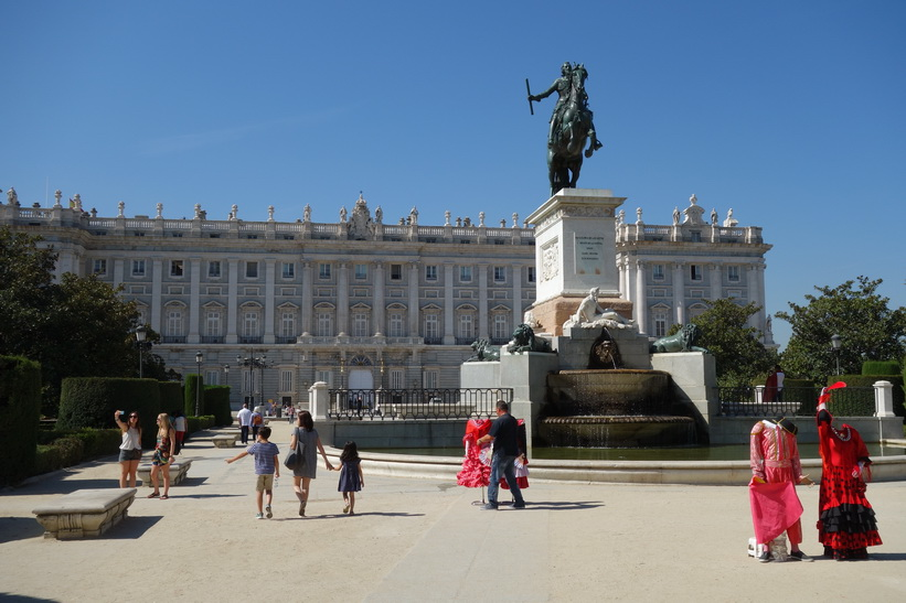 Plaza Oriente, Madrid.