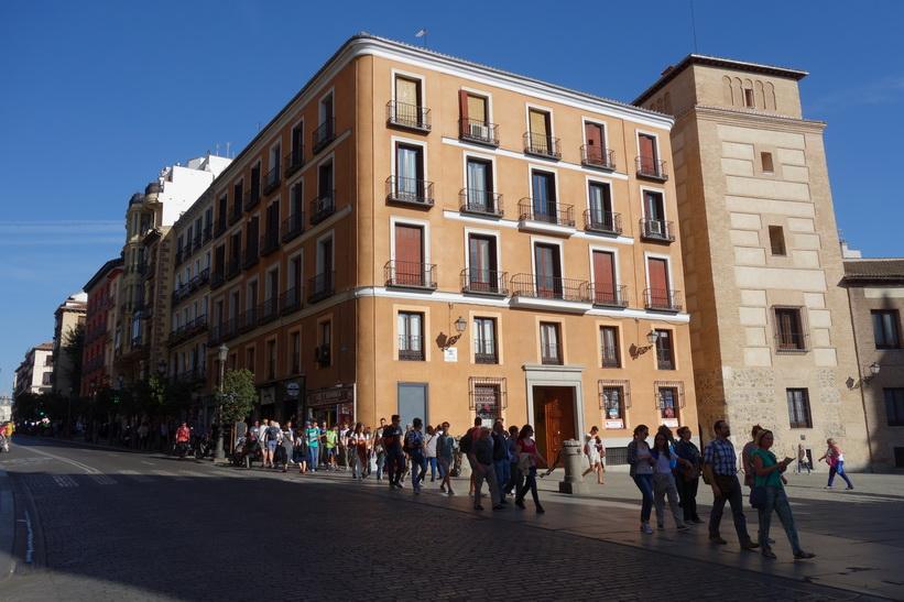 Arkitekturen längs Calle Mayor, Madrid.