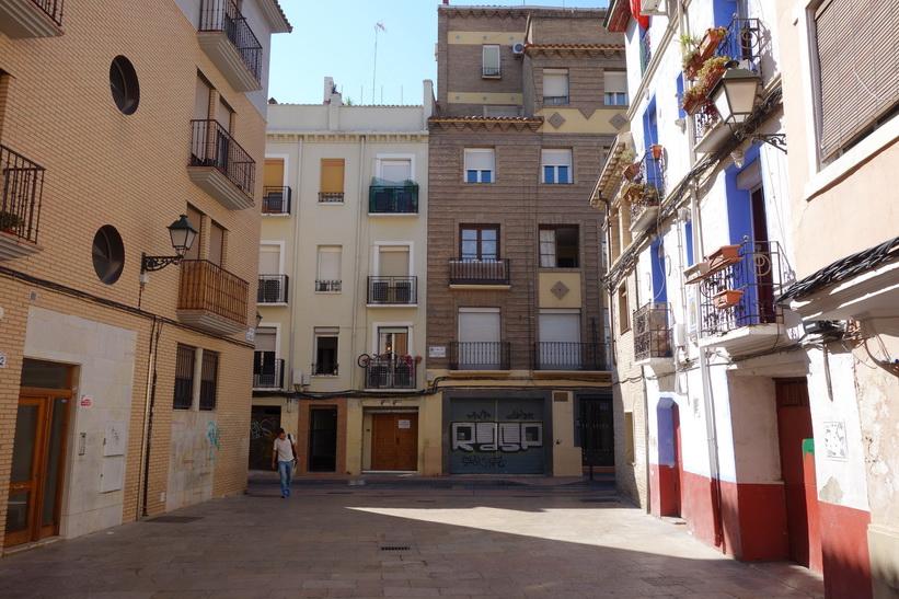 Gatuscen i gamla staden, Zaragoza.