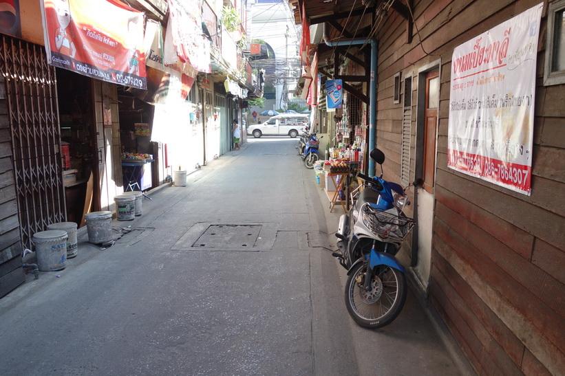 Soi Suan Phlu 1 nära mitt hotell, Bangkok.