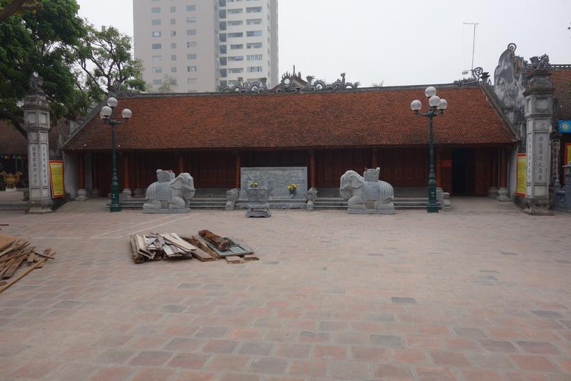 Hai Ba Trung-templet stängt för renovering, Hanoi.