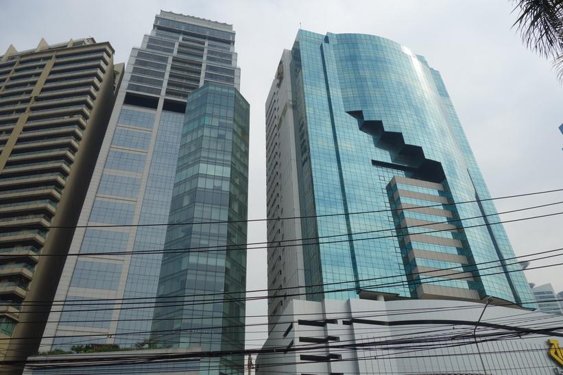 Skyskrapor vid Benjakitti-parken, Bangkok.