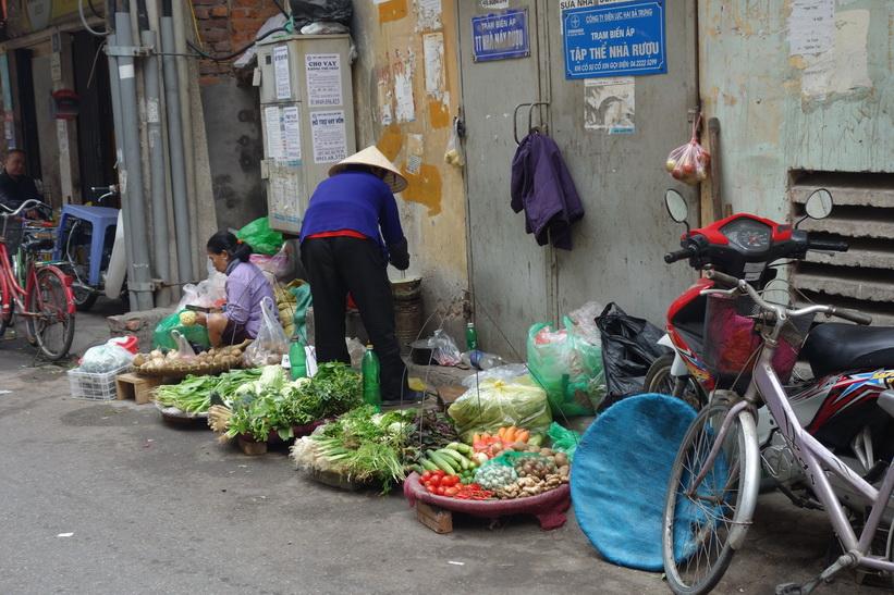 Grönsaksförsäljare i centrala Hanoi.