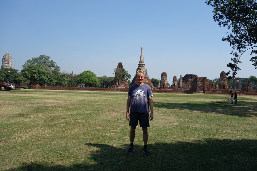 Stefan i historiska parken i Ayutthaya.