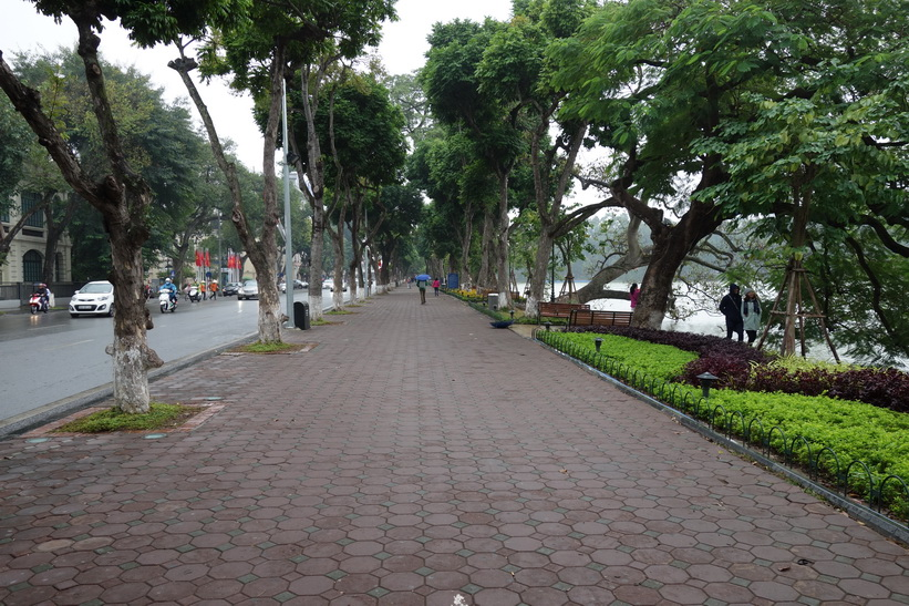 Promenaden runt Hoan Kiem-sjön, Hanoi.