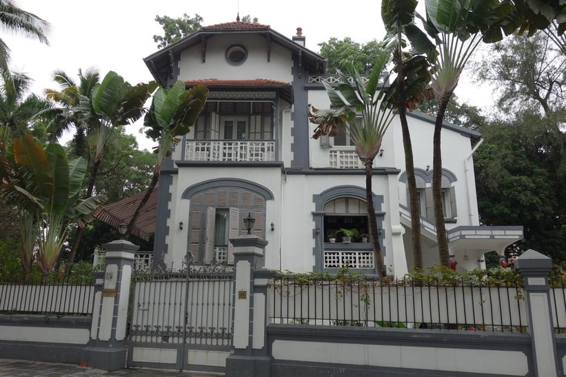 Ambassad eller konsulat, Hanoi.