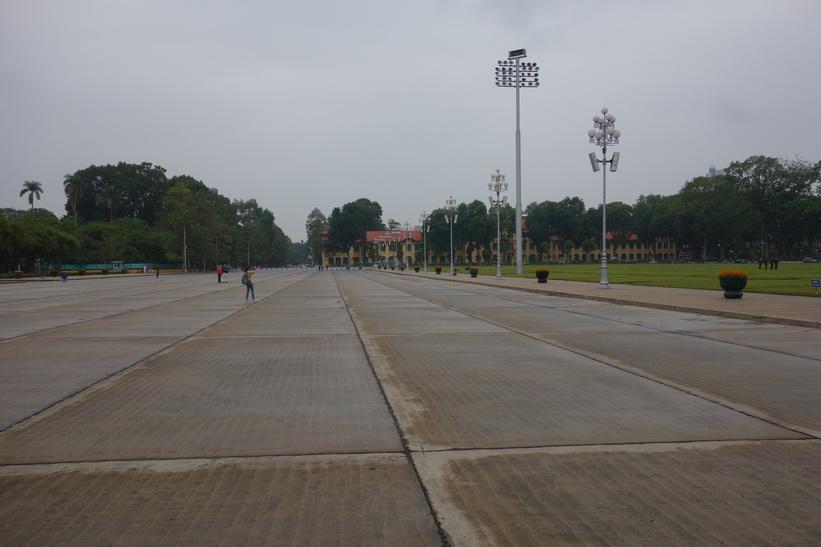 Ba Dinh-torget framför Ho Chi Minh-mausoleet. Här utropade Ho Chi Minh nationell självständighet för Vietnam år 1945, Hanoi.