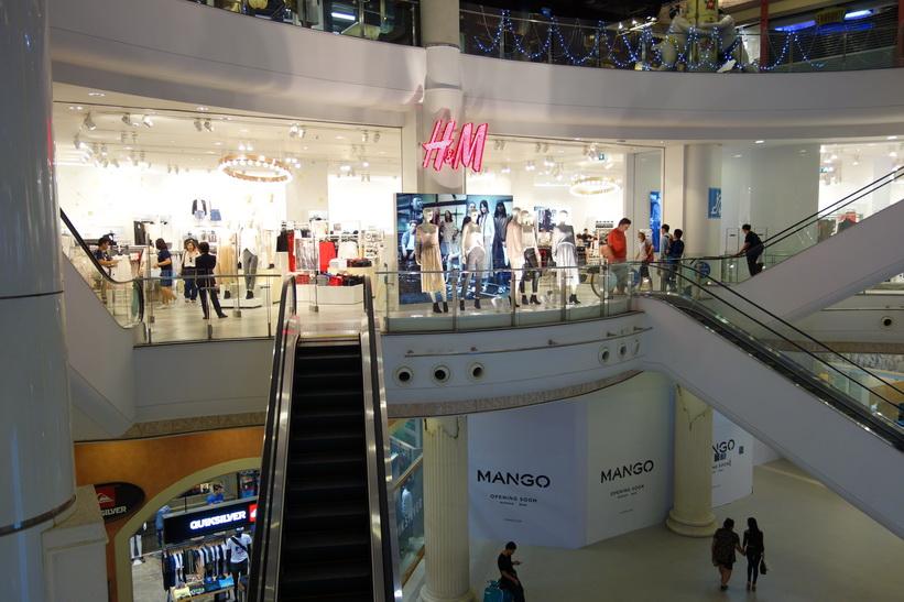 H&M i Terminal 21, Bangkok.