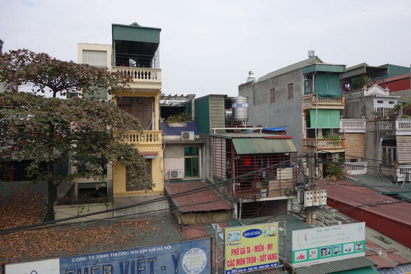Ett bra exempel på de smala fasader som eftersträvas för att få lägre fastighetsskatt, Hanoi.