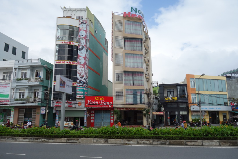 Gatuscen i centrala Da Nang.