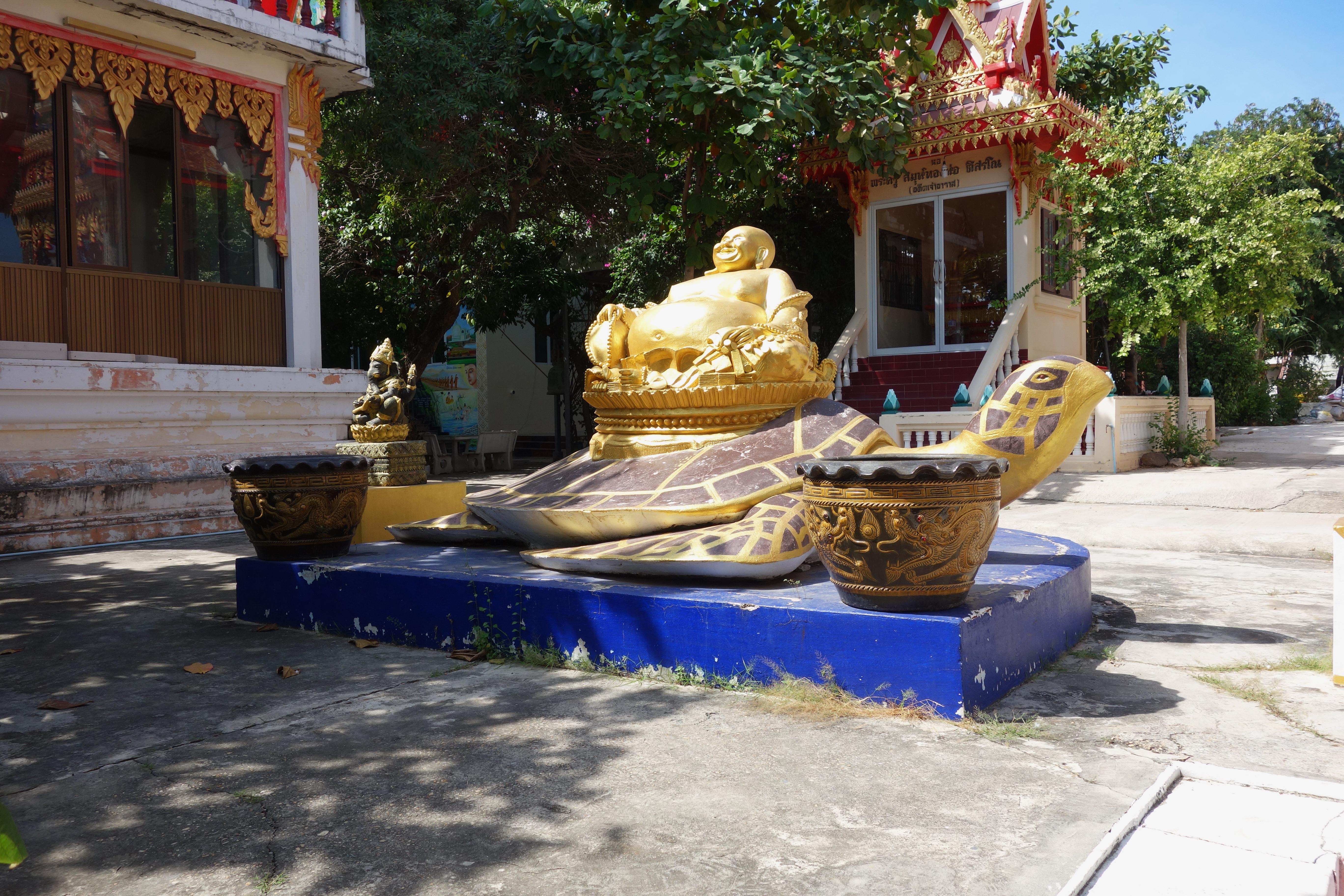 Wat Mai Samraan, Na Baan, Koh Larn.