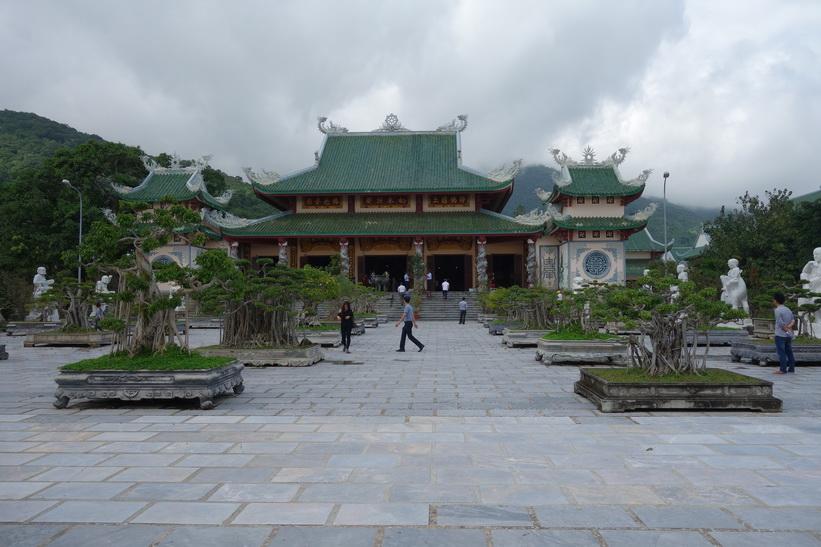 Chùa Ling Ung – Bãi Bụt-templet, Da Nang.