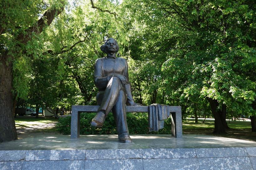 Staty i Gorky Park, Minsk.