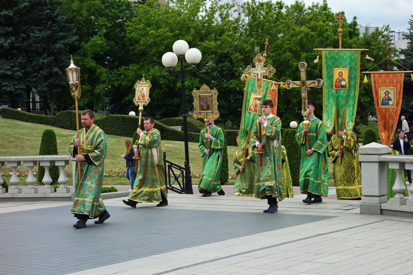 Procession vid Holy Spirit Cathedral, Minsk.